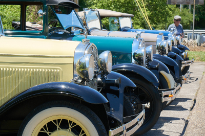 Smoky Mountains Model A Club visits Downtown Island Airport to see Ford Tri-motor airplane